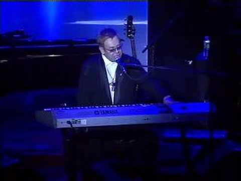 k.d. lang @ Elton John AIDS Foundation benefit - Intro