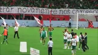 【神対応】浦和レッズサポーターの横断幕とビジュアルがシャペコエンセの選手・世界のサッカーファンに感動を与えた場面