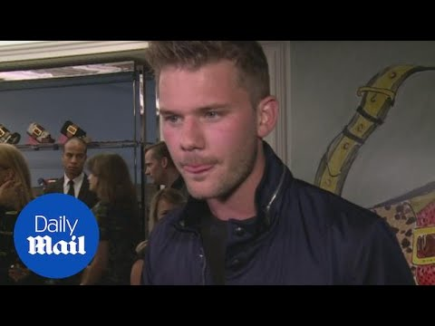 Jeremy Irvine admits he loves Tom Hiddleston!  Daily Mail
