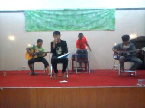 Neverland - Kebahagiaan Cinta Perform