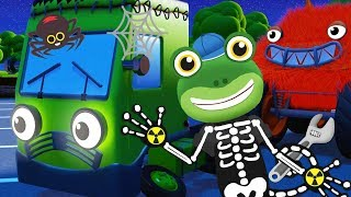 HALLOWEEN With Gecko! Baby Truck! Trick or Treat! | Gecko's Garage | Learning For Kids