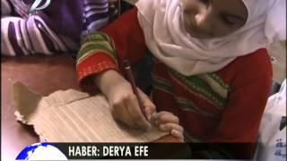 Suriyelilerin Eğitim Dramı Defterleri Kartondan Tahtaları Duvar