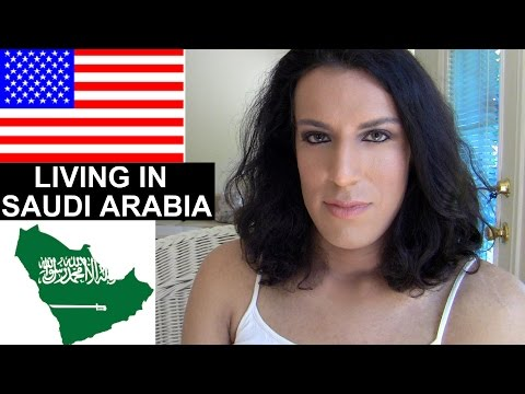 AMERICAN LIVING IN SAUDI ARABIA | MIKAYLA