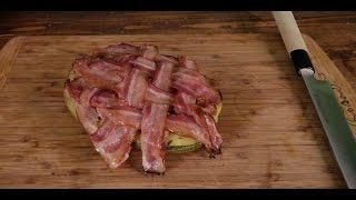 Острые кабачки со свининой под беконом