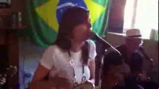 Julia jones of Joia sing at White Lion 18.aug.13