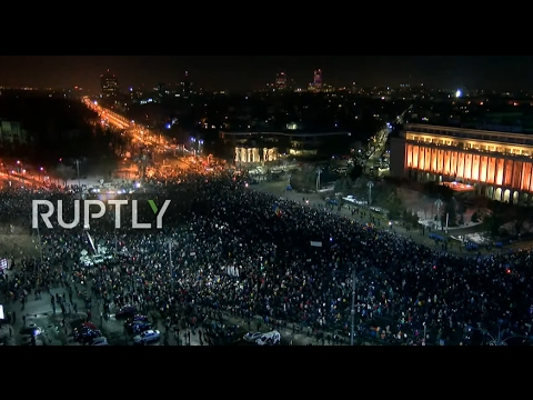 LIVE: Anti-corruption protests continue in Bucharest