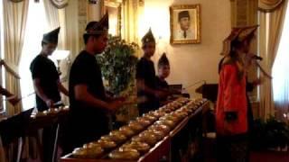 Musik Gamelan di Kedutaan Besar Indonesia Washington DC 3 Oktober 2009