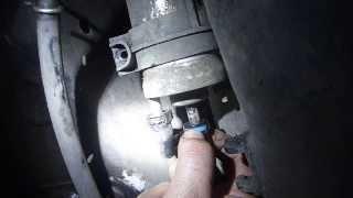 Как поменять топливный фильтр на шкода ЕТИ(Автомобиль Шкода ети 1,2., 2013-10-13T15:49:17.000Z)
