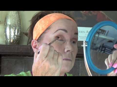 Makeup Geek Eye Shadow and Liquid Eyeliner Cat Eye Tutorial - for mature women