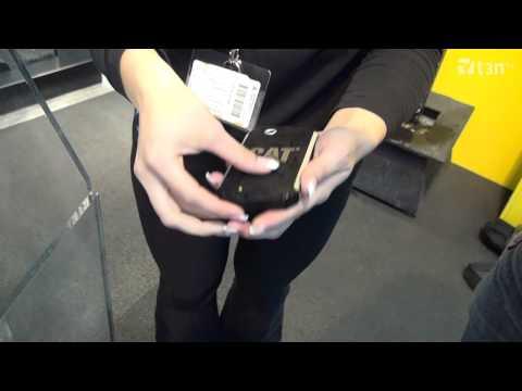 CAT B15: Outdoor-Handy mit Jelly Bean und Dual-SIM [CeBIT 2013]