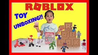 Toys Series 2 ROBLOX Surprise Toys With LEO!!!