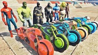 HOMEM ARANHA HULK BATMAN E AMIGOS COM MOTOS FUTURISTAS NO AEROPORTO! MOTOS COM SPIDERMAN - IR GAMES