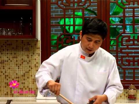 Cơm chiên tay cầm hải sản - [Sức Sống MêKông -- 26.08.2013]