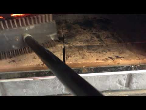 Cleaning a Pizza Oven with Bristle Pizza Oven Brush