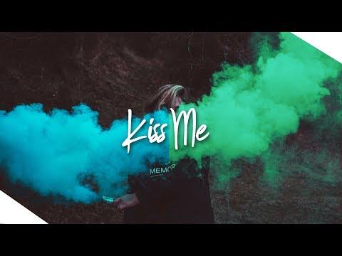 Shadowkey & Jellow - Kiss Me (Bentley Grey Nu Disco Remix) [Premiere]