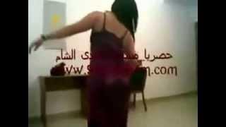 رقص خليجي فاحش   رقص خليجي مثير   رقص دقني منازل   رقص معلايه بجسم ساخن جدا