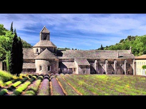 Abbaye Notre-Dame de Sénanque, Gordes, France, Provence [HD] (videoturysta.eu)