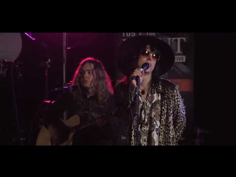 The Struts - Kiss This - LIVE acoustic performance from VAT19