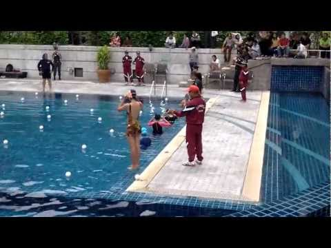 สอบว่ายน้ำ คัดเลือกตำรวจพลร่มหญิง ค่านเรศวร ปี2555