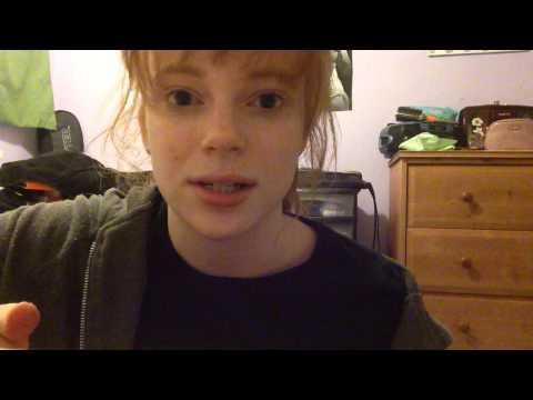 Chica británica hablando español