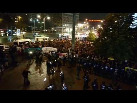 Anti-AfD-Demo in Berlin: Sicht vom Balkon der Wahlparty (24.09.2017)