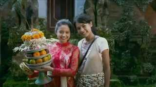 Video Tahu Diri - Maudy Ayunda ( OST  Perahu Kertas 2 ) download MP3, 3GP, MP4, WEBM, AVI, FLV Desember 2017