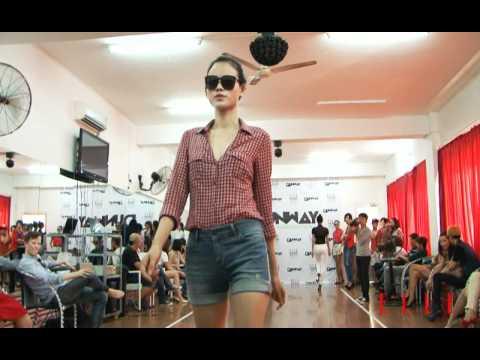 Hậu trường BUỔI TẬP DƯỢT NGƯỜI MẪU ELLE Fashion Show Xuân Hè 2012
