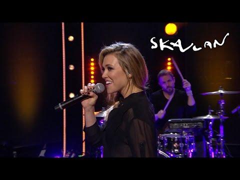 "Rachel Platten ""Fight Song"" - Live on Skavlan"