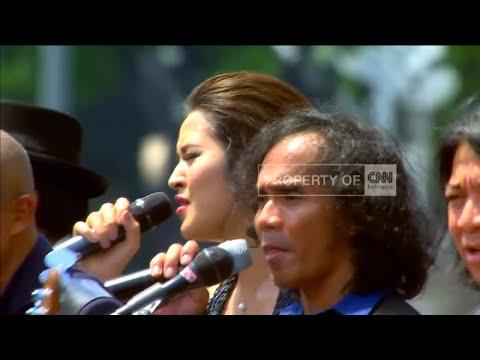 FULL VIDEO 5: Raisa, Slank & Paduan Suara GBN Meriahkan Upacara Kemerdekaan RI ke 71