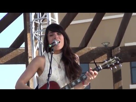 Dawn & Hawkes ~I've Just Seen a Face~ LIVE IN AUSTIN TEXAS July 4, 2015