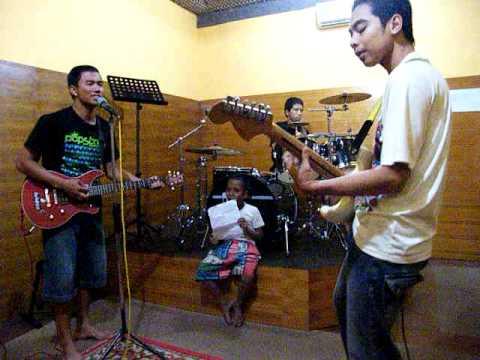 band lokal lombok