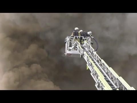 Bayreuth: Großfeuer in Diskothek löst Katastrophenalarm aus