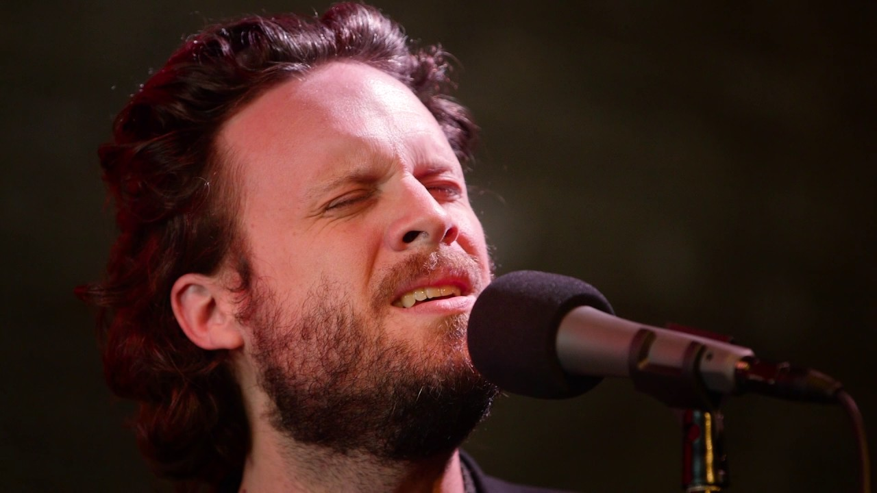 father-john-misty-when-the-god-of-love-returns-live-microshow-for-the-current-the-current