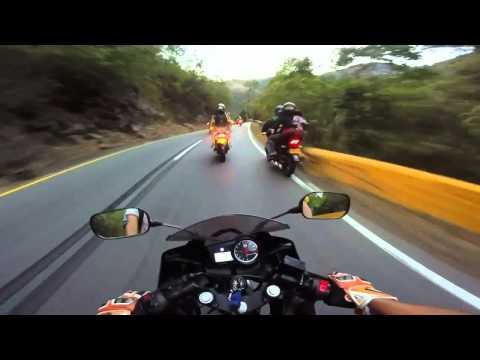Yamaha R15 143 km/h con acompañante Bogota-Melgar Colombia