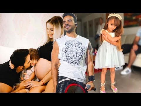 Luis Fonsi and his family - Despacito Singer