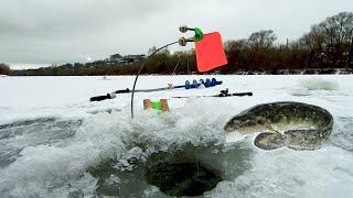 Ловля Налима Зимой в Декабре Рыбалка на реке ночная ловля 2020