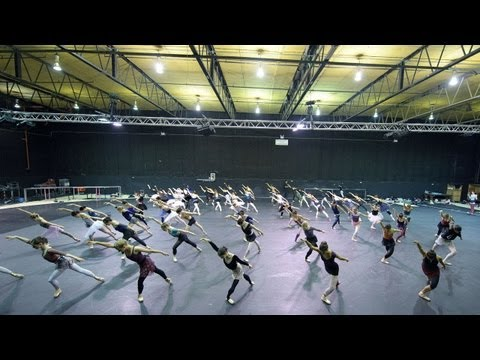 In Rehearsal: Swan Lake in-the-round | English National Ballet