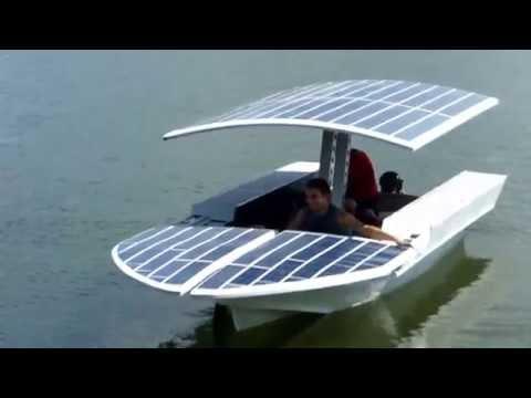 Лодка на солнечных