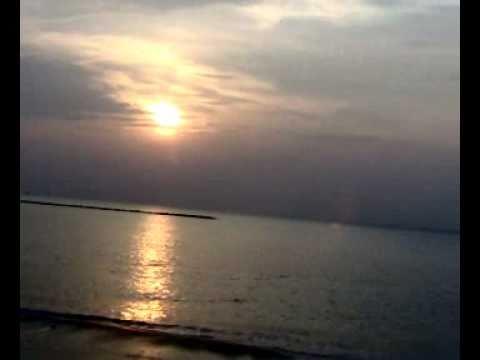 ณ.หาดเจ้าสำราญ เพชบุรี