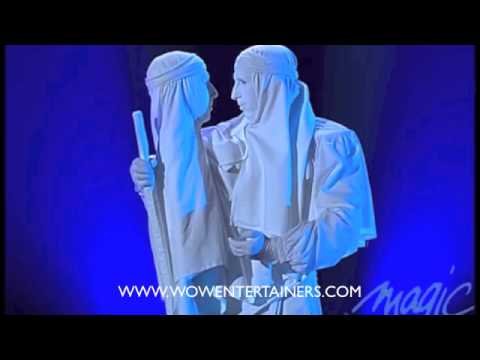 WOW Stage Show - Statue with Two Heads