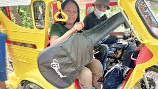 Download MAY GITARA NA SI KUYA EDWIN - ANG BULAG!   Roel of Malalag