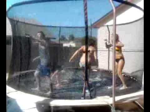 Girl on trampoline video hot — photo 12