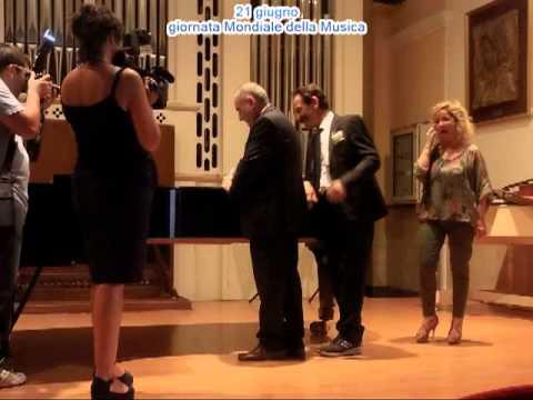Conservatorio Musicale di Reggio Calabria donato il violoncello di Mino Reitano