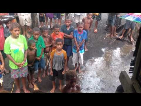 Papua new Guinea, Jesus movie in the rain ( wow)