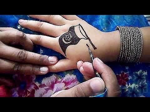 Best Mehndi Design For Kids On 14th Auguest Pakistani Flag Draw