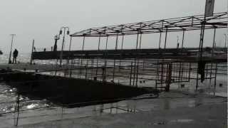 Шторм в Ялте(Это видео загружено с телефона Android., 2012-03-31T05:26:35.000Z)