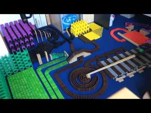Domino Mess - How to mess up your room with 6500 dominoes in 2 days