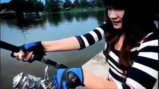 Пьяные девушки на рыбалке!!рыбалка от души!!!