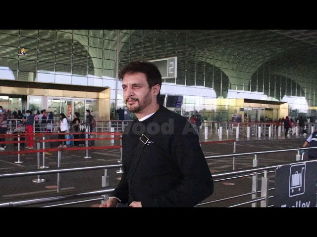 Jimmy Shergill Spotted At Airport Departure