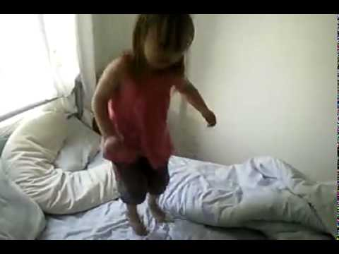 rangers fan doing the bouncy, lyrics (almost lol) at 3 years old